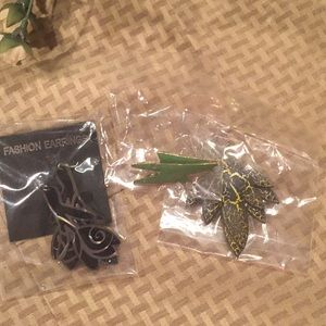 Jewelry - 🔴 3/$20 3 pairs fashion earrings